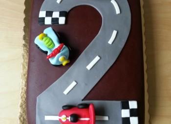 A corrida: carro,mota e moto4