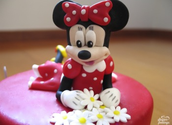 Minnie & flowers